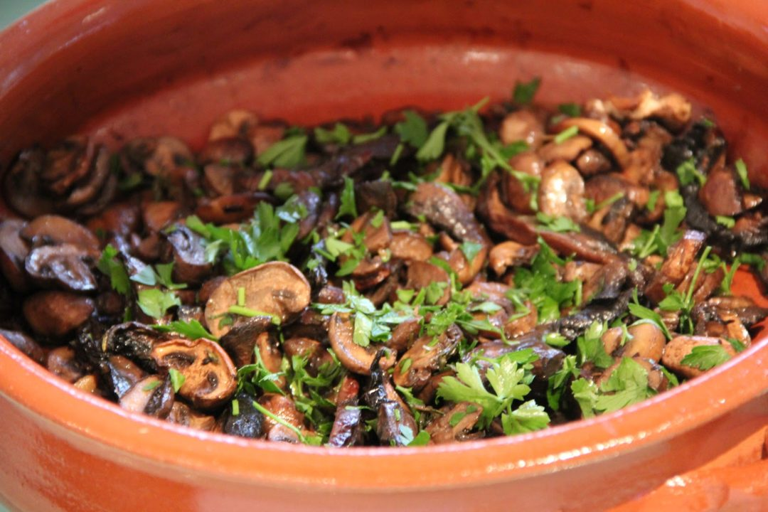 Roast Mushrooms with Balsamic Vinegar & Thyme